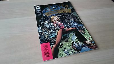 Buffy The Vampire Slayer #1  - Gold Foil Variant - Art Cover NM - Unread