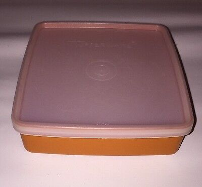 Vintage Tupperware Square Sandwich Keeper 670 Orange