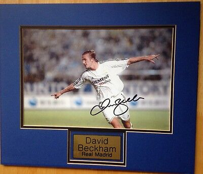 Real Madrid Photo And Mount Signed By David Beckham With Letter Of Guarantee