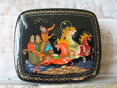 """Russian Lacquer box style Palekh """"Troika"""" (Three horses) Hand Painted & Signed"""