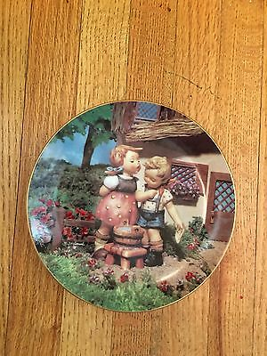 MJ Hummel Danbury Mint Plate - Squeaky Clean, Little Companions Collection