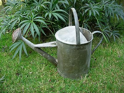 Vintage 2 Gallon Galvanised Beldray  Metal Watering Can with Copper Rose (867)