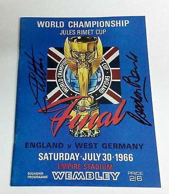 1966 World Cup Final programme signed by Sir Geoff Hurst and Gordon Banks COA