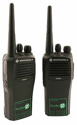 MOTOROLA CP040 UHF 4 WATT WALKIE-TALKIE TWO WAY RADIOS & D-SHAPE EARPIECES x 2