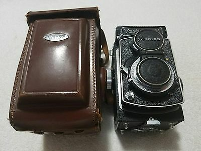 Vintage Yashica LM Double Lens Camera #124518 w/Case (Used)