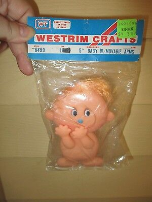 """VINTAGE """"Westrim Crafts"""" 5"""" baby w/movable arms nip rubber doll"""