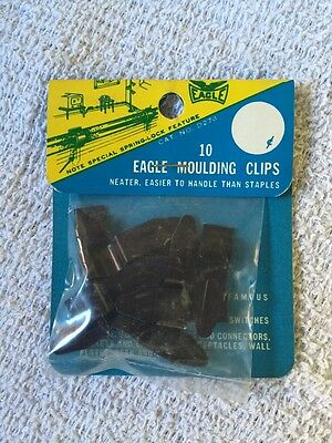 Vintage Eagle Electric Hold Tite Moulding Clips on Card - Brown  USA