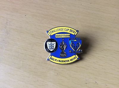Challenge Cup Final 2016 enamel badge Hull FC v Warrington Wolves rugby league