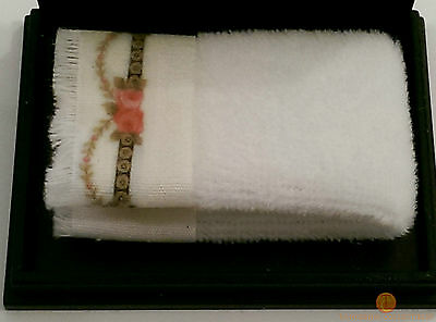 Reutter Bath Towel Victorian Rose Design 1:12 Dolls House Miniature 1.766/5