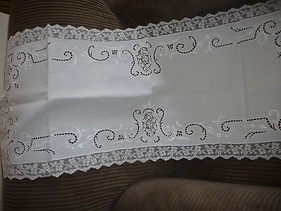 "vtg linen needlelace CUT & EMBROIDERED table runner w net lace border 40"" x 13+"