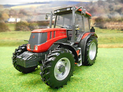 Universal Hobbies Kirovets Atm 3180 Tractor 1/32 2719 Boxed & New