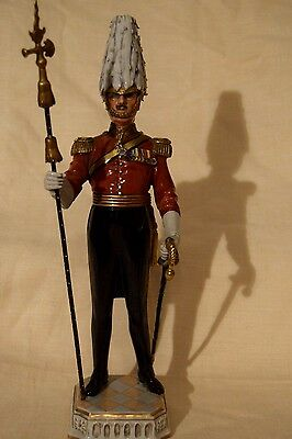 """Statua Dresda Porcellana figurine Military """"Gentleman at Arms"""" Early XX secolo"""