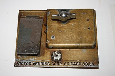 VICTOR Baby Grand Gumball 1 Cent Coin Mech Front Plate w/ Chute Flap Lock & KEY