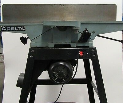"New In Box! Delta 37-190 6"" Deluxe Jointer With Stand"