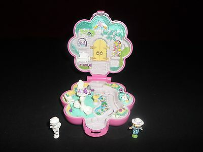 Polly Pocket Bluebird 1990 Compact garden surprise complete with figurines