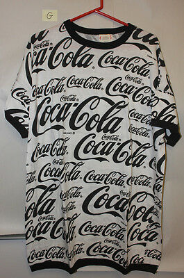 Black & White Coca-Cola T-Shirt (G)