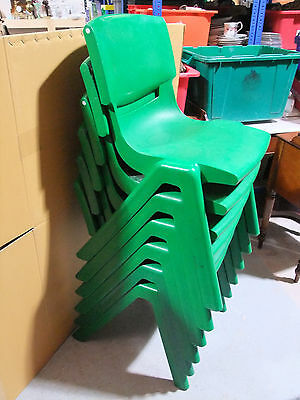 6 Retro Funky Green Plastic Chairs c.1960 [9302]