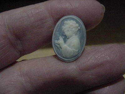 Vintage Victorian Woman Cameo Pin