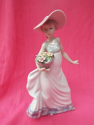 LLADRO  Figurine  Girl with Basket Of Flowers CAREFREE  5790