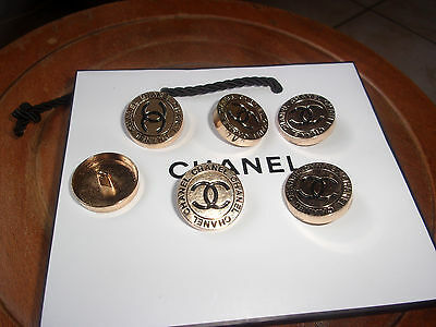 Lot De 6 Boutons Chanel Couture.+ Cadeau 1 M De Ruban Chanel.