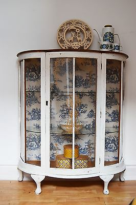 White Painted Glass Display Cabinet,1960s,1970s Vintage,Retro White
