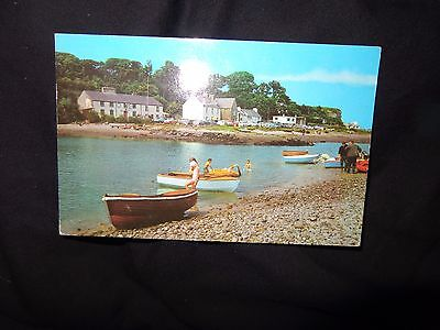Red Wharf Bay,Anglesey C1970 POSTCARD boats cars children 1-z