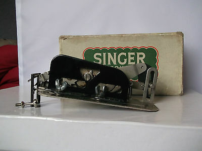 Singer buttonholer attachment boxed