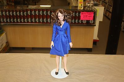 Ashton Drake Kate Middleton Royal Engagement Fashion Doll *Free Shipping*