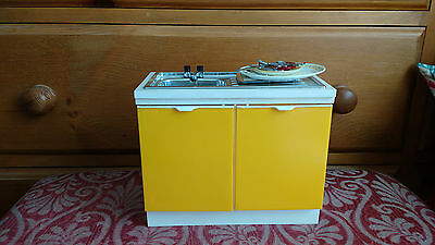 VINTAGE 1970s SINDY KITCHEN SINK UNIT AND ACCESSORIES