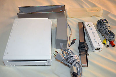 Nintendo Wii SYSTEM Console RVL-001 USA Lot BUNDLE White READ For Part/Repair