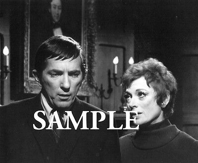 Dark Shadows GRAYSON HALL & JONATHAN FRID 8x10 PHOTO #N177