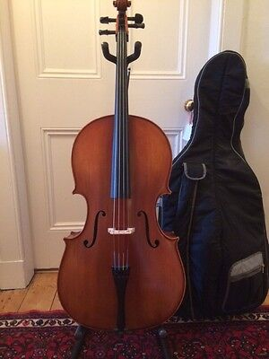 Lovely Top Range 3/4 Size Cello with Bow