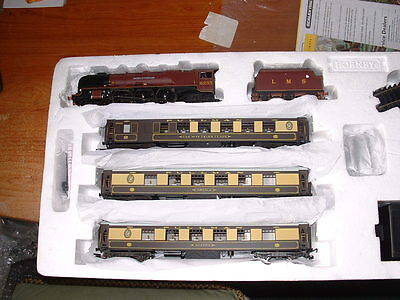 Northern Belle Train Set with Pullman Coaches
