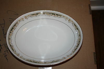 "Vintage 10 1/2"" Oval serving bowl in Queen Anne by Signature 1940s Excellent"
