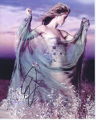 Jennifer Aniston:      8x10 beautiful hand signed photo