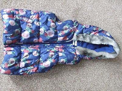 Girls navy floral gilet / body warmer - Age 7-8