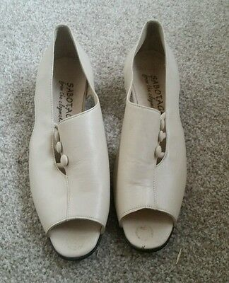 Vintage /60's style shoes size 6 bnwot