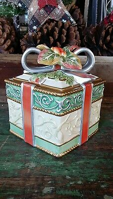 "Fitz And Floyd's ""enchanted Holiday"" Lidded Trinket Box"