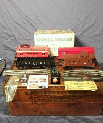 Lionel Post-War Set # 1542- 520 Electric Freight Set - Boxed- Rs1
