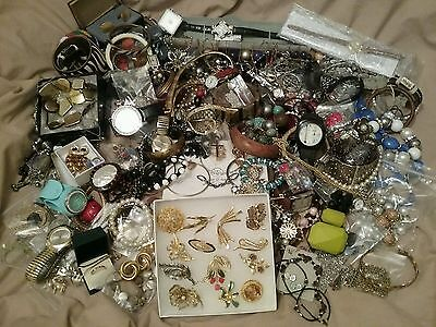 4 kilo's of quality mixed costume jewellery and watches ,some new, all excellent