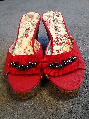 Ladies size 2.5 red wedge shoes