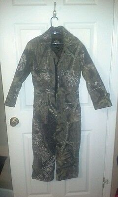 Red head youth size 10 insulated woodland camo hunting suit