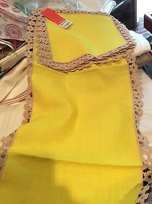 Vintage Polish Table Runner and 4 napkins linen with crocheted edge