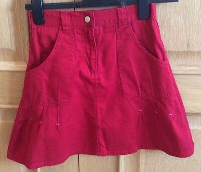 Unknown Brand, Girls Red Cotton Skirt, size 134-140 ( age 9-10 yrs), VGC.