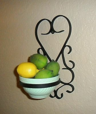 Primitive Vintage Iron Heart Shaped Potted Plant Wall Bowl Hanger Flower Planter