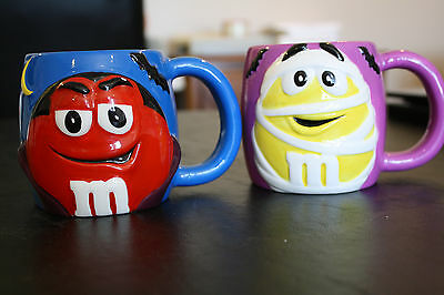 Set of 2 M&M Halloween Mugs Mummy Dracula Coffee Cup Collectible Chocolate Candy