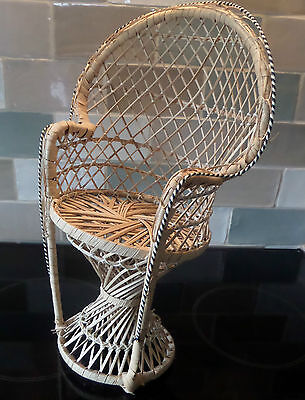 """16"""" Wicker Doll/Teddy  Back Display Chair Very Good Condition"""