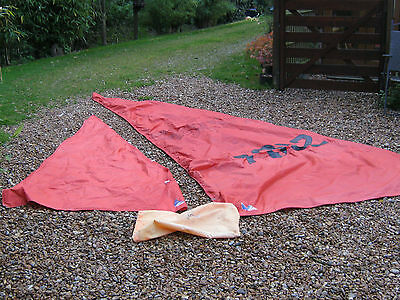BOAT   ,  MIRROR DINGY 1970s SAILS. GOOD CONDITION.