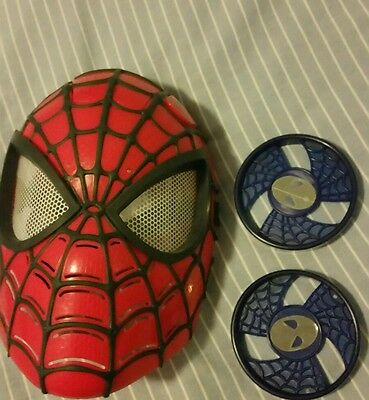 Marvel hasbro spiderman light up mask with 2 flying discs
