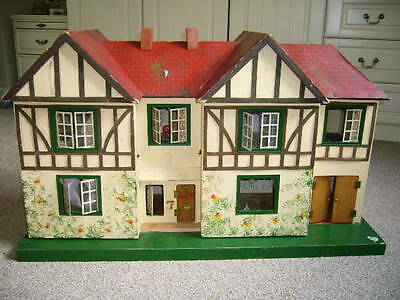 Vintage 1950s Triang Lines Bros Ltd No 77 Dolls House